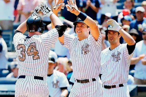Así celebró el triunfo el equipo de la Gran Manzana. (Foto Prensa Libre: AFP)
