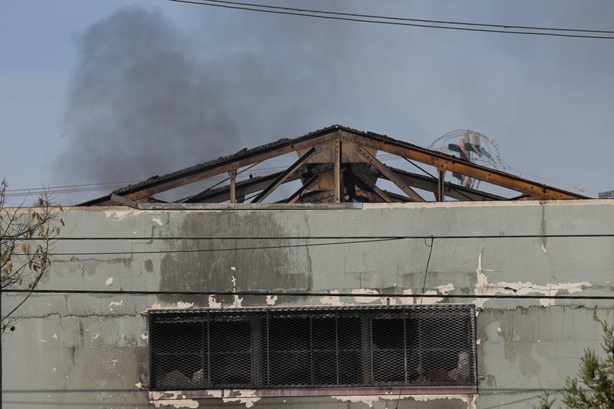 Vista del inmueble donde ocurrió la tragedia entre la noche del viernes y la madrugada del sábado. (Foto Prensa Libre: AFP).