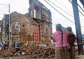 Varias casas y edificios resultaron afectados por el temblor en la madrugada del 14 de junio, en Quetzaltenango. (Foto Prensa Libre: Carlos Ventura)