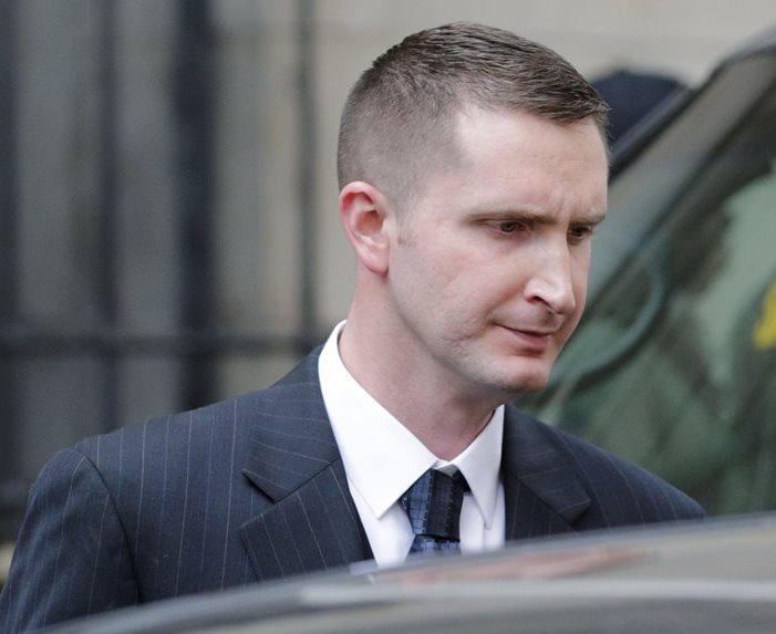 El oficial Edward Nero fue absuelto por la muerte de Freddie Gray. (Foto Prensa Libre: AP).