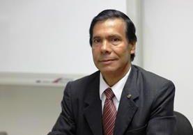 Édgar Pape Yalibat es economista y especialista en tributación. Fue miembro del directorio de la SAT. (Foto Prensa Libre: HemerotecaPL)