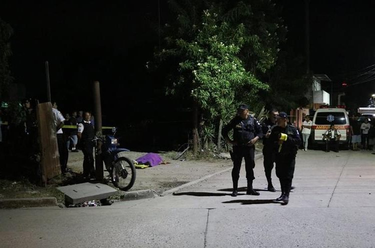 La maestra Vilma Duarte Polanco murió en la zona 2 de Jalapa. (Foto Prensa Libre: Hugo Oliva)