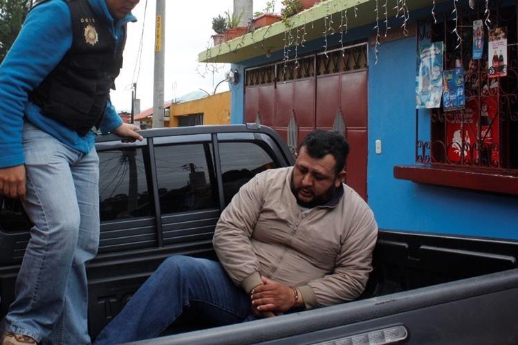 Hugo José Gálvez, quien fue capturado en Sumpango, es sindicado de asalto. (Foto Prensa Libre: Víctor Chamalé).