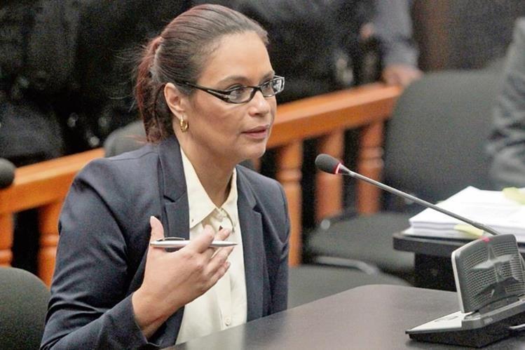 La ex vicepresidenta Roxana Baldetti es procesada por el caso de defraudación aduanera denominado La Línea, y permanece en prisión.