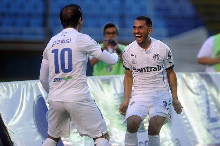 José Contreras y Diego Estrada fueron las figuras. (Foto Prensa Libre: Edwin Fajardo)