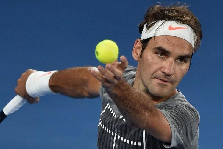 Federer está de regreso a las canchas y busca firmar un 2017 glorioso. (Foto Prensa Libre: AFP)