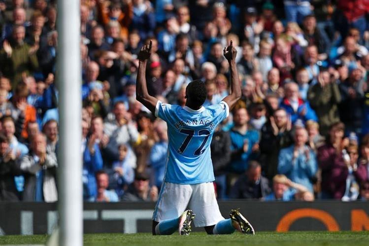 Kelechi Iheanacho fue uno de los anotadores para el City este sábado. (Foto Prensa Libre: AFP)