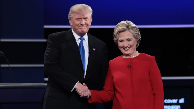 Donald Trump y Hillary Clinton debatieron durante 90 minutos. GETTY IMAGES