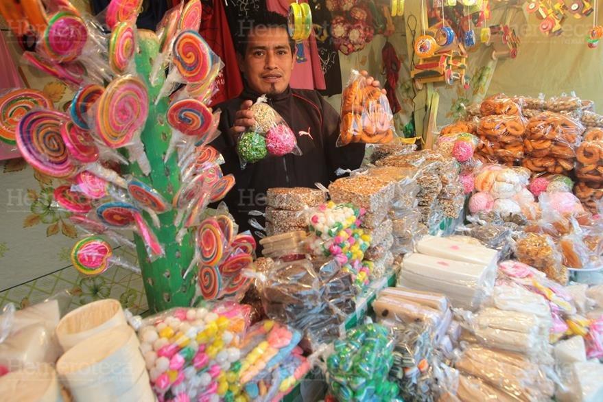 Los dulces típicos se pueden encontrar en cada una de las ferias que se celebran durante el año. (Foto: Hemeroteca PL)