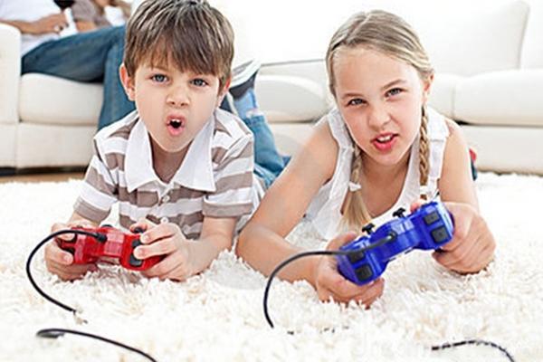 """<p>El uso de videojuegos debe ser supervisado por los padres.<br _mce_bogus=""""1""""></p>"""