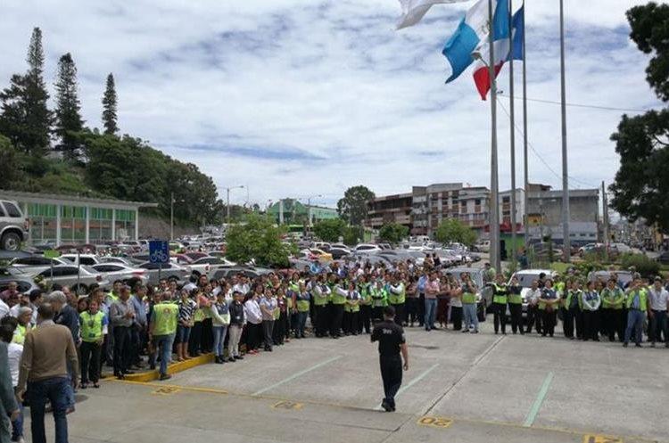 Unas mil 500 personas participaron en la evacuación