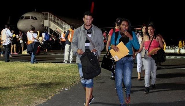 Los migrantes cubanos provienen de Costa Rica, donde han permanecido varados desde hace varios meses. (Foto Prensa Libre: EFE)