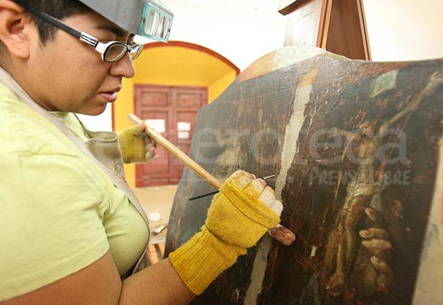Lienzos de gran valor histórico son restaurados en Cerebiem. (Foto: Hemeroteca PL)