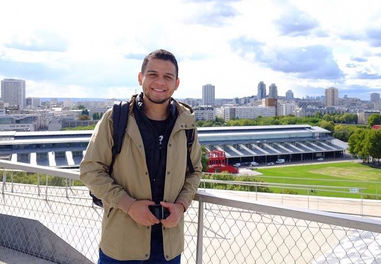 Kenny Alvizuris, viajó hace un mes a París con su maleta llena de sueños e ilusiones. (Foto Prensa Libre: Cortesía)