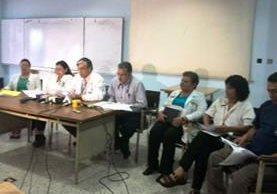Médicos del Hospital Genreal San Juan de Dios denunciaron la amenza que representa atender a reos en el centro asistencial. (Foto Prensa Libre: Andrea Orozco)