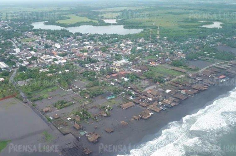 También están afectadas las comunidades de Champerico y San Andrés Villa Seca de Retalhuleu y Tahuexco, Suchitepéquez.