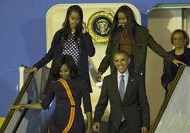 Obama llegó en el avión Air Force One. (Foto La Nación.)