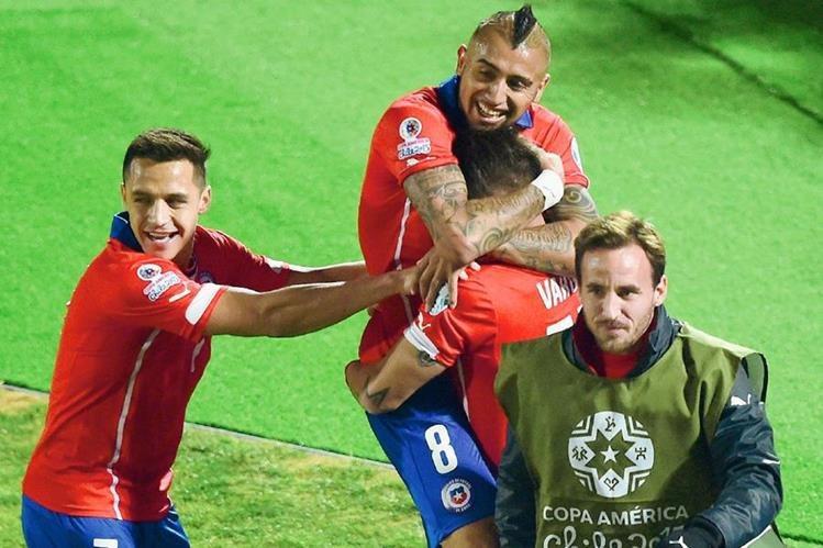 Los jugadores de Chile celebran el pase a la final de la Copa América (Foto Prensa Libre: AFP)