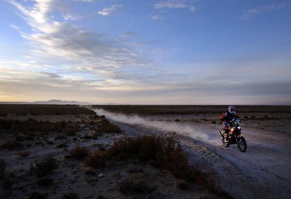Toby Price en acción durante la etapa de este viernes. (Foto Prensa Libre: EFE)
