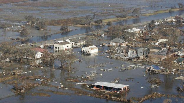 Los expertos creen que el descenso del nivel de los terrenos costeros de Luisiana facilitó el colapso de Nueva Orleans durante el Katrina. ROBYN BECK/AFP/GETTY IMAGES