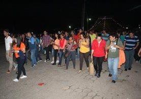 Estudiantes y vecinos piden esclarecer ataque contra trabajadora del MP, en Jutiapa. (Foto Prensa Libre: Óscar González).