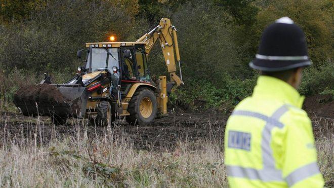 Un terreno usado por Brian Field fue excavado como parte de la Operación Stenley, una reapertura del caso en 2006. REUTERS