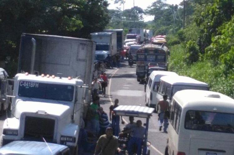 Caos vial por manifestación en  Pajapita, San Marcos