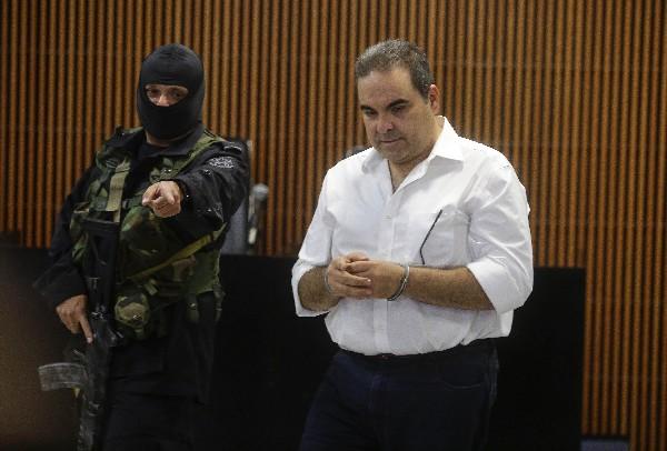 Elías Antonio Saca asiste a una audiencia inicial por delitos de corrupción. (Foto Prensa Libre.EFE).