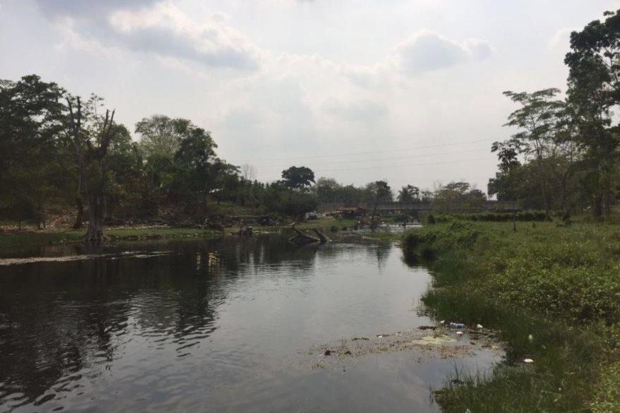 Áreas donde se registró el ataque en el río El Subín, en Las Cruces. (Foto Prensa Libre: Rigoberto Escobar).