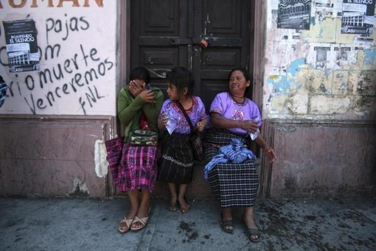 Las mujeres indígenas tienen menos probabilidades de finalizar la escuela, según testimonios de promotoras de educación sexual. (Foto Prensa Libre: Reuters)