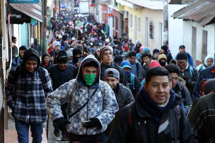La caminata inicio a las 7 de la mañana, en Santa María de Jesús, Sacatepéquez. (Foto Prensa Libre: Renato Melgar)