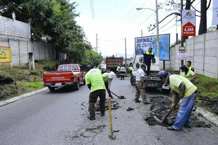 Por más de 2 horas estuvo cerrado el paso en el sector de las Minervas. (Foto: Municipalidad de Mixco)
