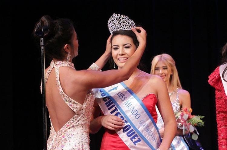 Katherine Herrera, representante de Suchitepéquez, fue electa primera finalista y participará en Miss Mundo Guatemala el próximo año. (Foto Prensa Libre: Mynor Gámez)