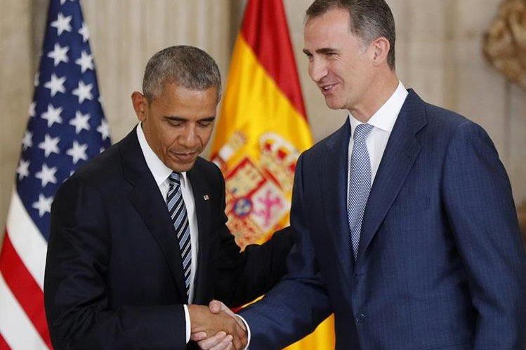 Felipe VI saluda al presidente de EE. UU., Barack Obama (i). (Foto PL: EFE)