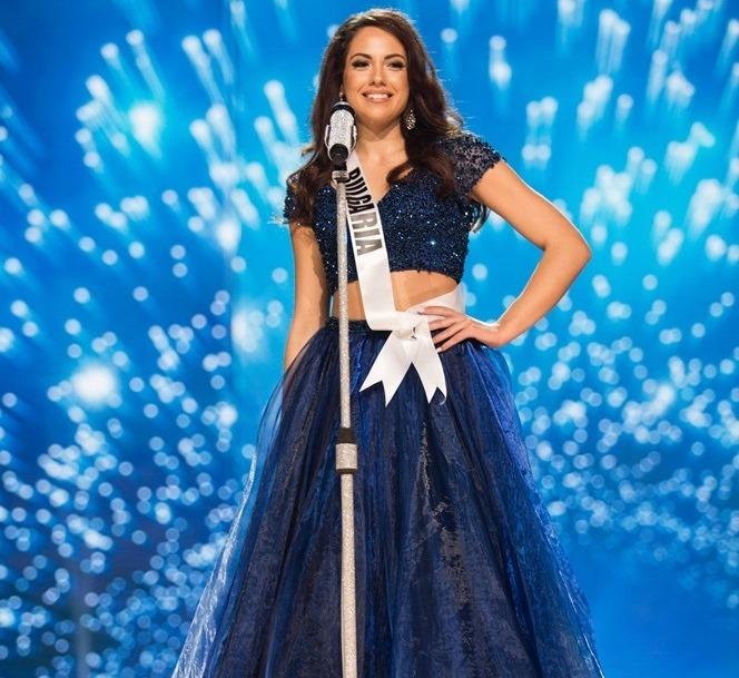 Miss Bulgaria, Violina Ancheva, obsequió el vestido que uso en Miss Universo a una joven filipina. (Foto Prensa Libre: missosology.org)