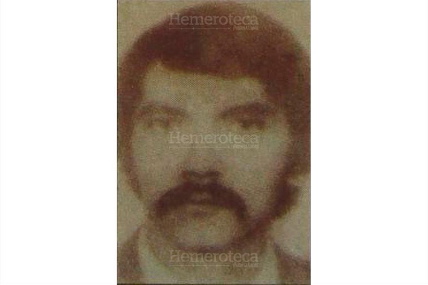 Fotografía de Rafael Augusto Baldizón Nuñez, alias  Comandante Isaias acusado del secuestro de la señora De Novella, 26/11/1996. (Foto: Hemeroteca PL)