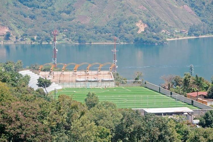 Vista panorámica del estadio Bella Vista, de San Pedro La Laguna, Sololá (Foto Prensa Libre: Ángel Julajuj)