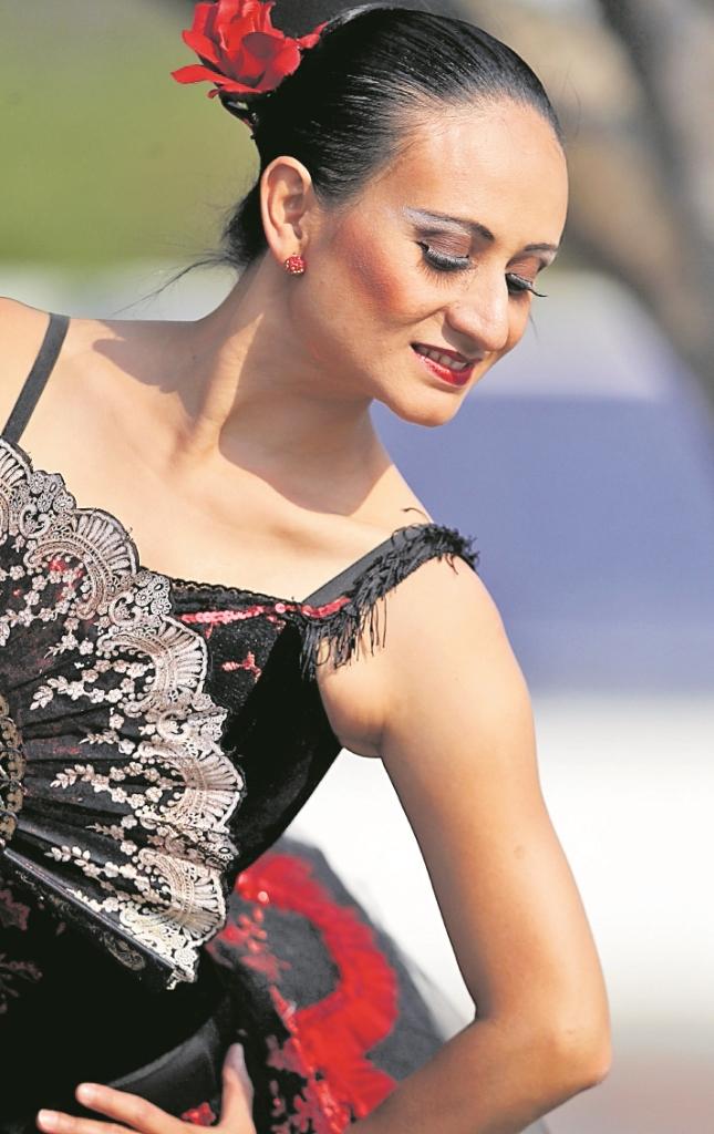 Claudia García es primera bailarina del Ballet Nacional de Guatemala. (Foto Prensa Libre: Keneth Cruz)