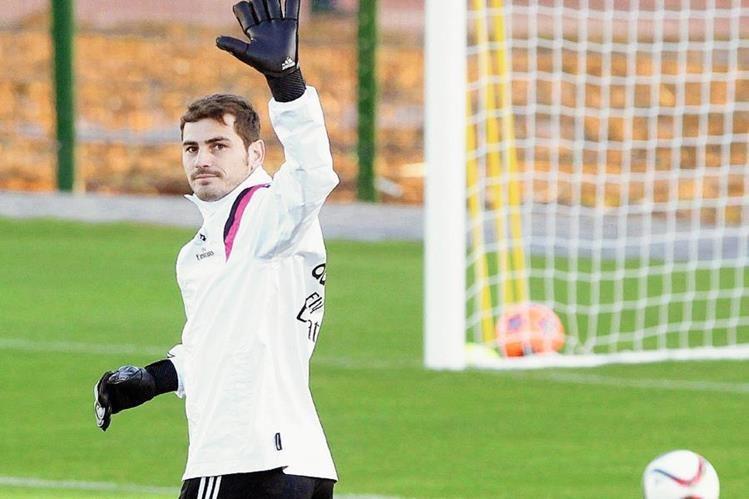 Iker Casillas vistió dos décadas la camisola del Madrid. (Foto Prensa Libre: Hemeroteca)