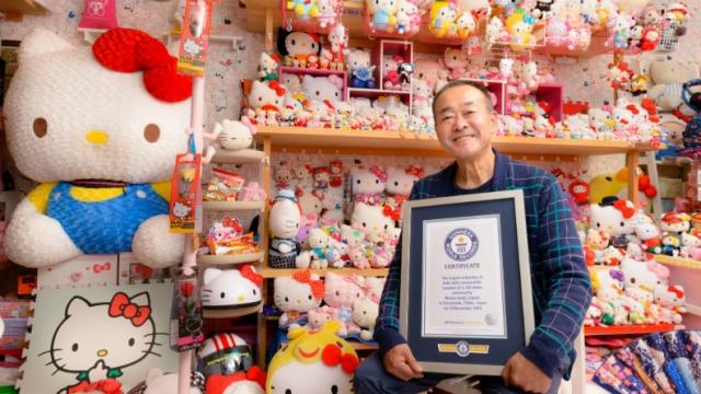 Expolicía tiene la colección más grande del mundo de Hello Kitty