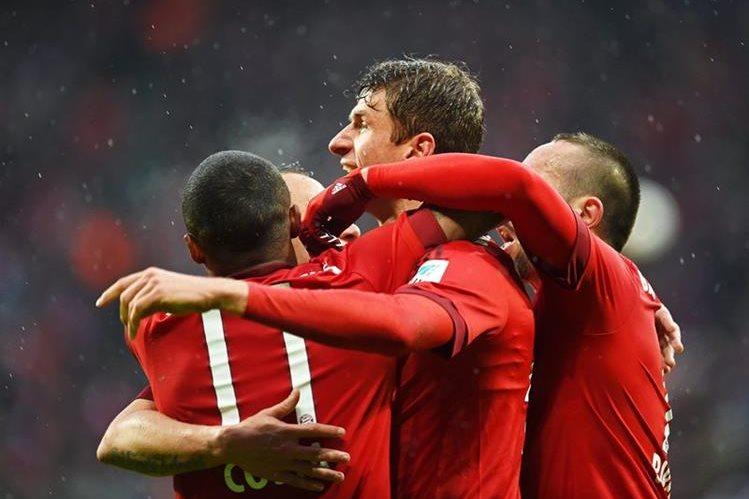 El Bayern Múnich sacó la casta de campeón y remontó este sábado. (Foto Prensa Libre: EFE)