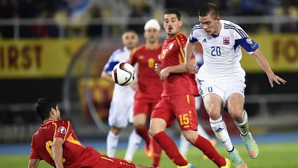 Los jugadores de Luxemburgo están bajo tratamiento médico tras la intoxicación. (Foto Prensa Libre: Agencias)