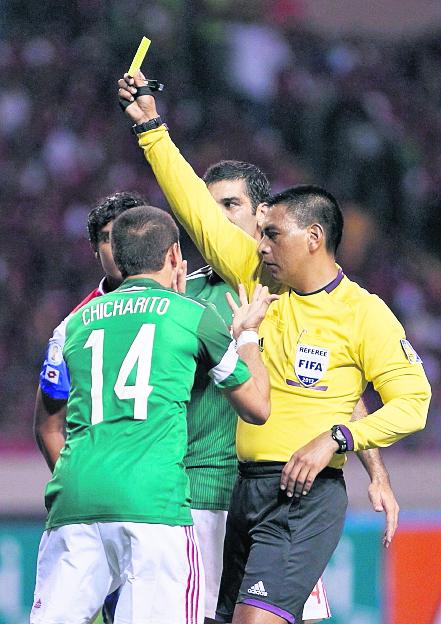 El árbitro López ha participado en partidos determinantes en la Concacaf. (Foto Prensa Libre: AP)