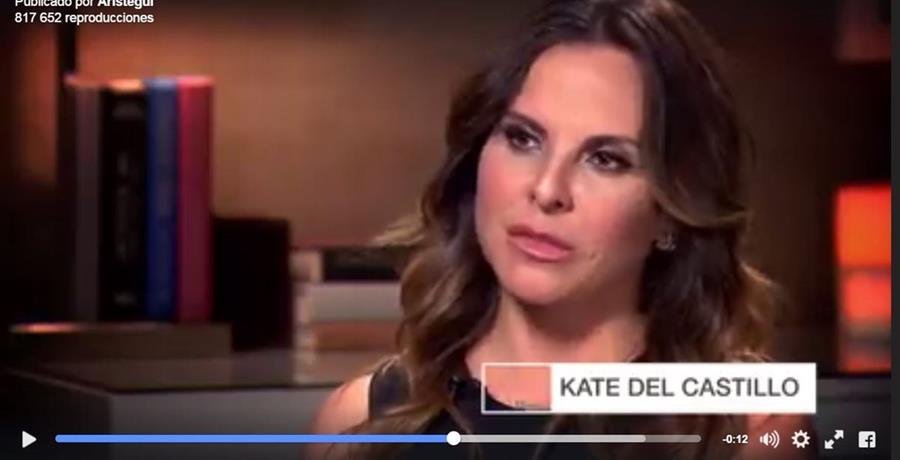 Kate del Castilo, durante la entrevista con la periodista Carmen Aristegui. (Captura del video tomado del sitio: aristeguinoticias.com).