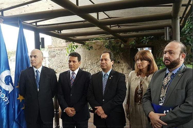 Autoridades del Ministerio de Economía y de Agexport inauguraron el evento que se lleva a cabo en Antigua Guatemala. (Foto Prensa Libre: Cortesía Agexport)