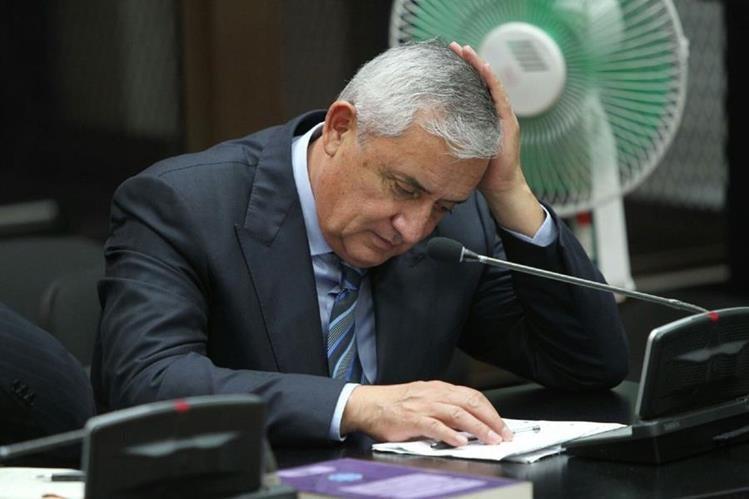 El expresidente Otto Pérez Molina fue acusado formalmente por el Ministerio Público. (Foto Prensa Libre: Hemeroteca PL)