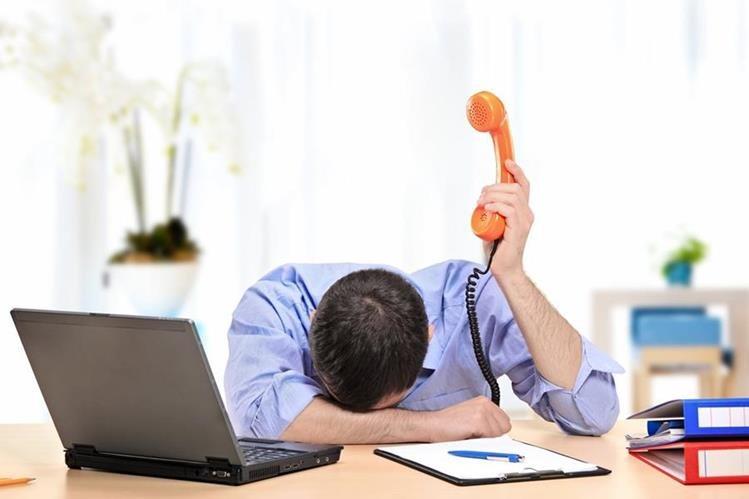 Las empresas dejan de recibir ingresos por los niveles de estrés. (Foto Prensa Libre: televideoblog.com)