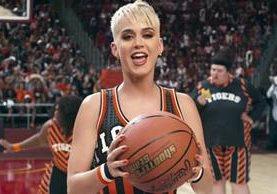 Baloncesto, Juego de Tronos, Stranger Things y más, reunidos en el nuevo clip de Perry (Foto Prensa Libre: YouTube).
