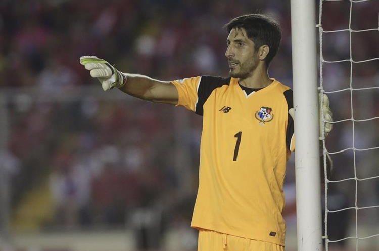 El portero Jaime Penedo logró junto a Panamá una histórica clasificación al Mundial. (Foto Prensa Libre: Hemeroteca)