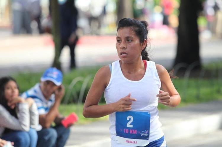 La fondista Merlin Chalí participó en el evento de Fundecán en la categoría élite, acostumbra a correr en varias competencias. (Foto Prensa Libre: Erick Ávila)
